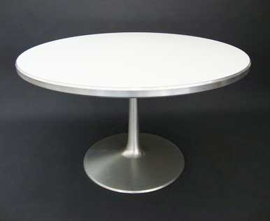 Circle – dining table